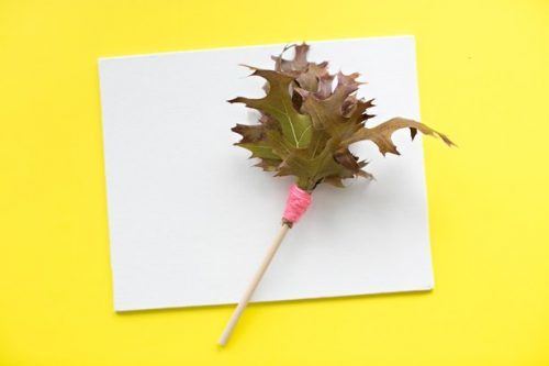 Turn fall leaves into this creative painting brush